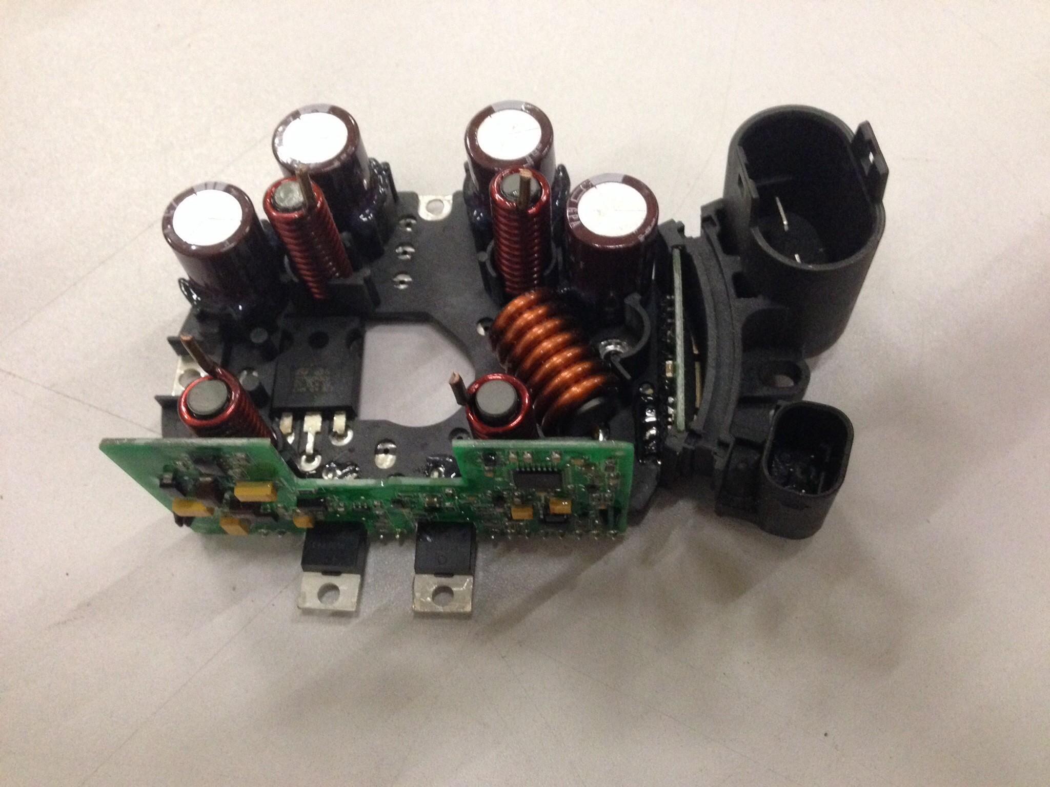 /> 11 TTC Moteur refroidisseur d/'huile pour Mercedes ML W164 ML280 ML300 ML320 ML350 3.0 05